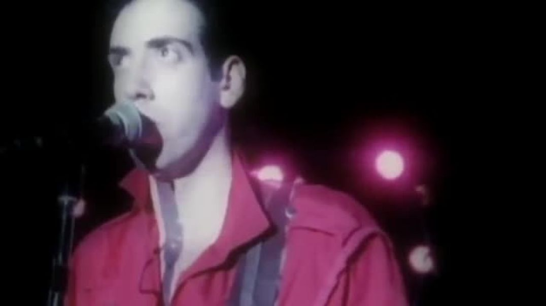 The Clash - Should I Stay Or Should I Go (Official Video Version 2)